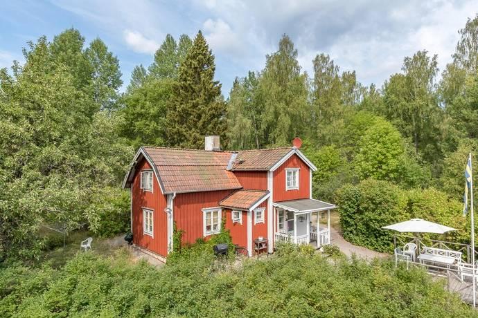 Bild: 4 rum villa på Hälltorp, Strängnäs kommun Åkers styckebruk