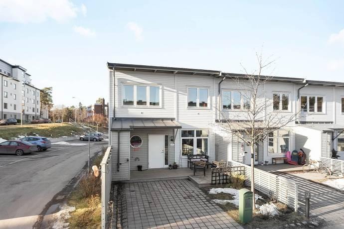 Bild: 5 rum radhus på Ljusnevägen 11a, Stockholms kommun Bagarmossen
