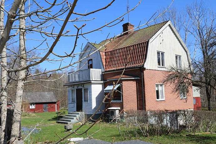 Bild: 4 rum villa på Linvägen 6, Älmhults kommun Häradsbäck