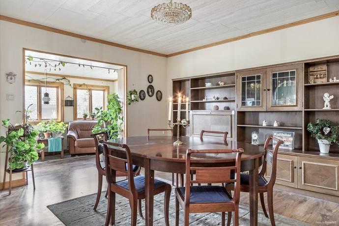 Bild: 7 rum villa på Tvärvägen 1, Österåkers kommun Centrala Åkersberga