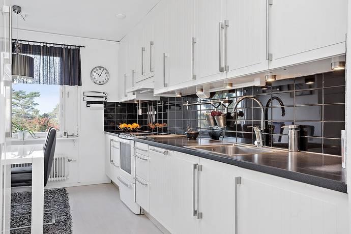 Bild: 3 rum bostadsrätt på Rosenhöjdsvägen 20, Södertälje kommun Rosenlund