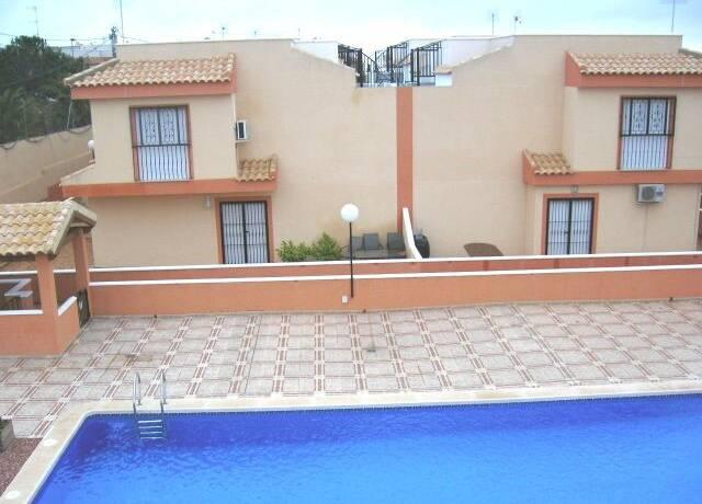 Bild: 3 rum villa på Villa i Algorfa, Alicante, Spanien Algorfa
