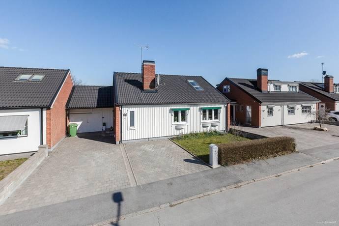 Bild: 4 rum radhus på Räntmästargatan 80, Örebro kommun Sörby