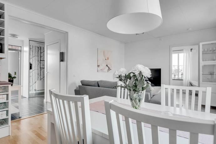 Bild: 3 rum bostadsrätt på Barkaregatan 30E, Örebro kommun Näsby