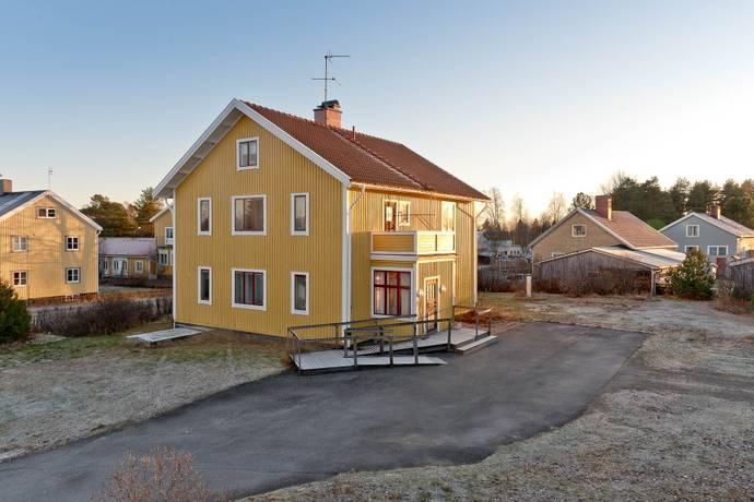Bild: 7 rum villa på Kungsvägen  15, Umeå kommun Sävar