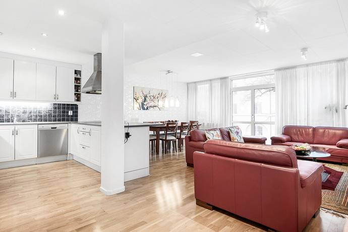 Bild: 4 rum bostadsrätt på Domkyrkoesplanaden 9, Västerås kommun Centralt