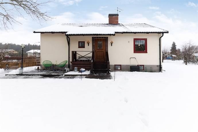 Bild: 4 rum villa på Lägergatan 22, Kumla kommun Sannahed
