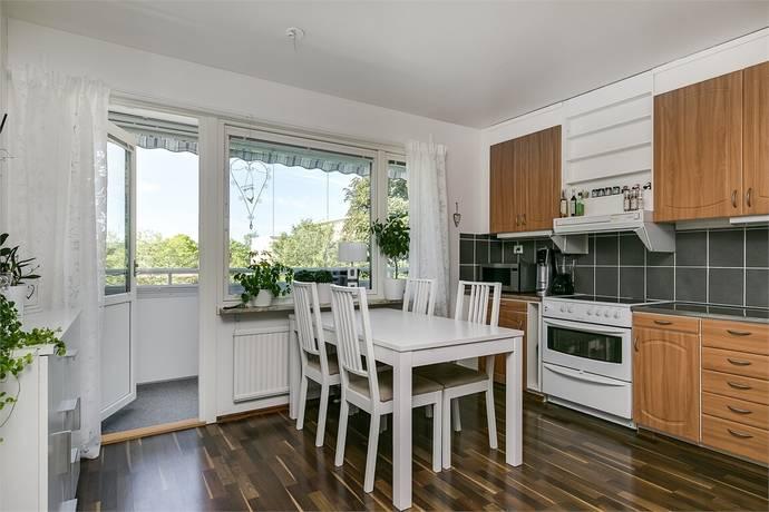 Bild: 3 rum bostadsrätt på Irisgatan 4, Örebro kommun Mellringe