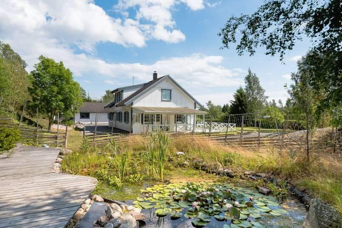 Bild: 7 rum villa på Söderskogsvägen 13, Österåkers kommun Ljusterö-Inneby