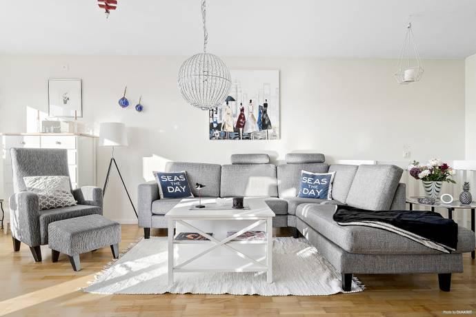 Bild: 4 rum villa på Runöbacken  128, Österåkers kommun