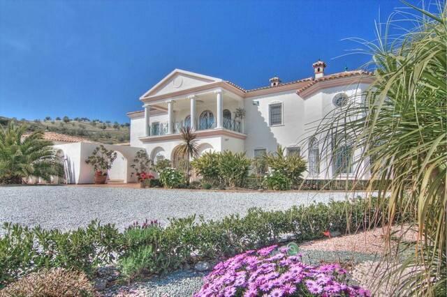 Bild: 6 rum villa på Smakfull villa med utsikt över Viñuela!, Spanien Viñuela