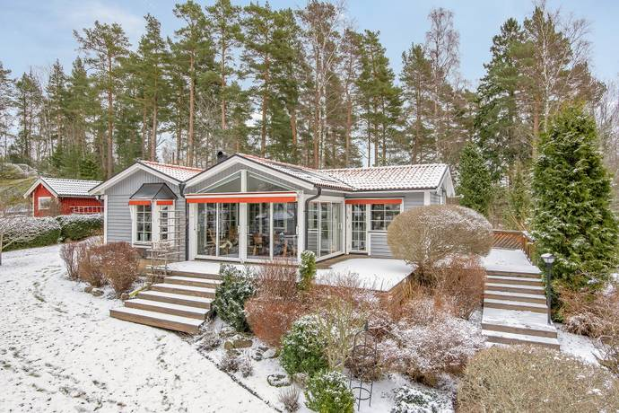 Bild: 2 rum villa på Snickarhagsvägen  174, Motala kommun Västanvik