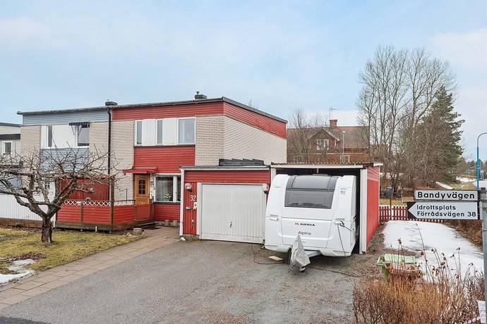 Bild: 4 rum radhus på Bandyvägen 32, Knivsta kommun