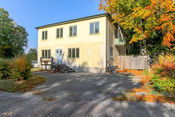 Bild: 10 rum villa på Emnebodavägen 819, Karlshamns kommun Asarum