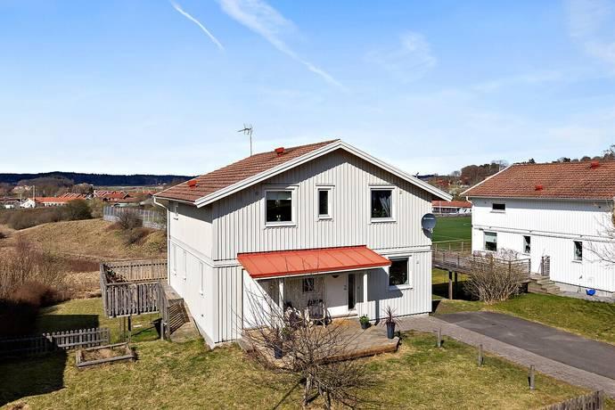 Bild: 8 rum villa på Björkkullavägen 47, Göteborgs kommun Olofstorp