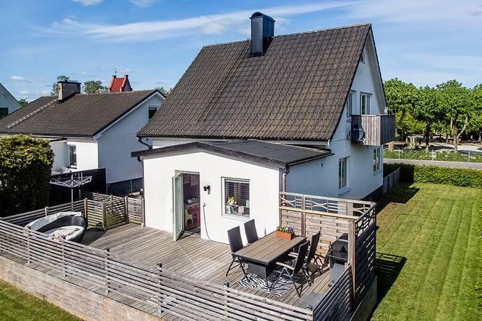 Bild: 5 rum villa på Adelsbergsvägen 14, Tomelilla kommun Tomelilla Adelsberg