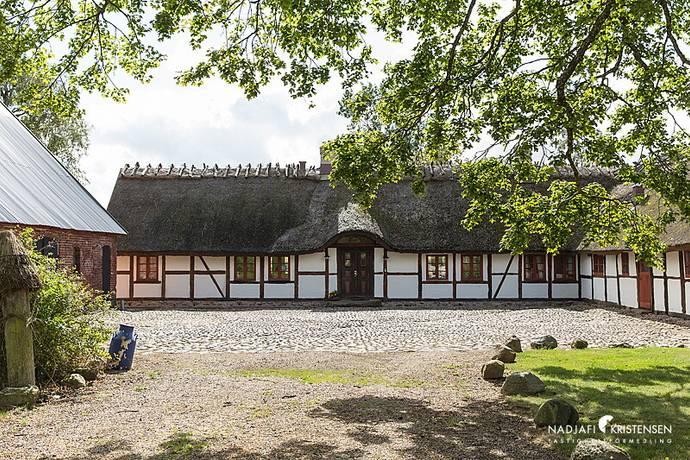 Bild: 10 rum gård/skog på Klägstorp 615, Laholms kommun Laholm