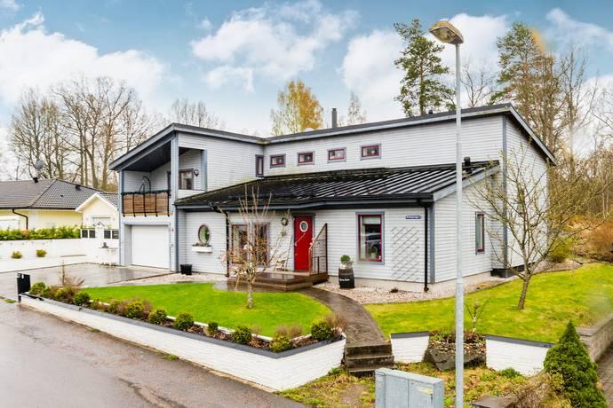 Bild: 5 rum villa på Torvbrytarvägen 4, Katrineholms kommun Luvsjön