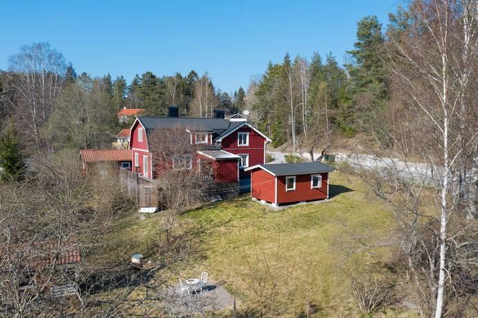 Bild: 6 rum villa på Rosendalsvägen 5, Södertälje kommun Mölnbo