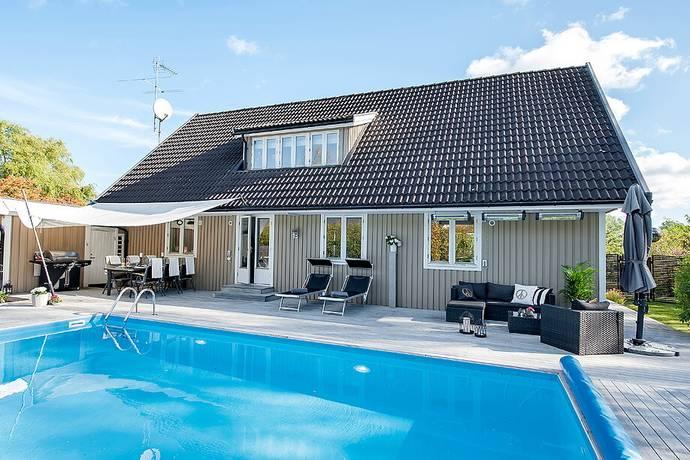 Bild: 6 rum villa på Målvägen 1, Ekerö kommun Ekerö Träkvista