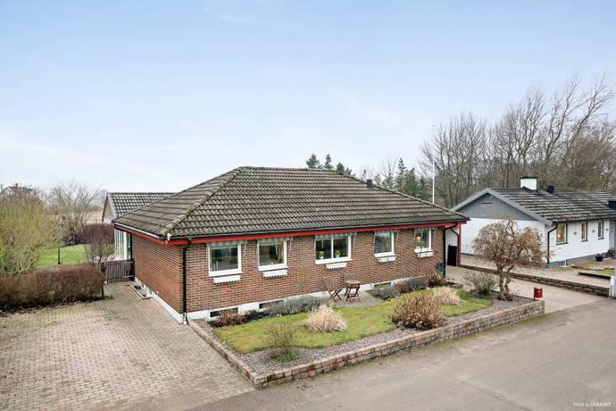 Bild: 5 rum villa på Svedjegatan 11, Ängelholms kommun Munka Ljungby