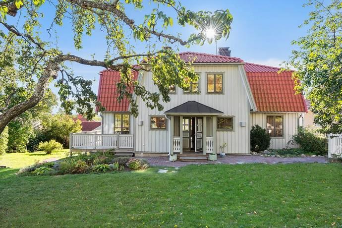 Bild: 8 rum villa på Stora Nygatan 5, Sigtuna kommun Centrala Sigtuna