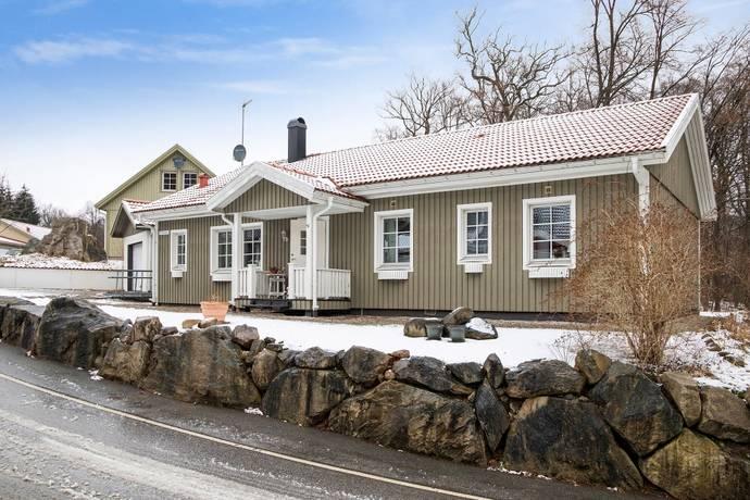 Spelmansvägen 2 i Karlslund, Höör - Friliggande villa till salu ...