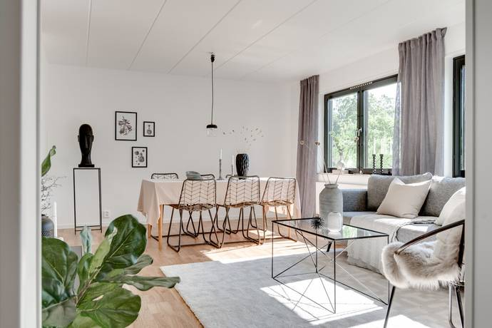 Bild: 6 rum villa på Fältgatan 1, Kumla kommun