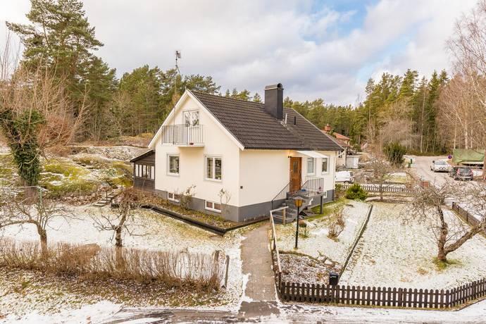 Bild: 4 rum villa på Ängsvägen 17, Nyköpings kommun NÄVEKVARN