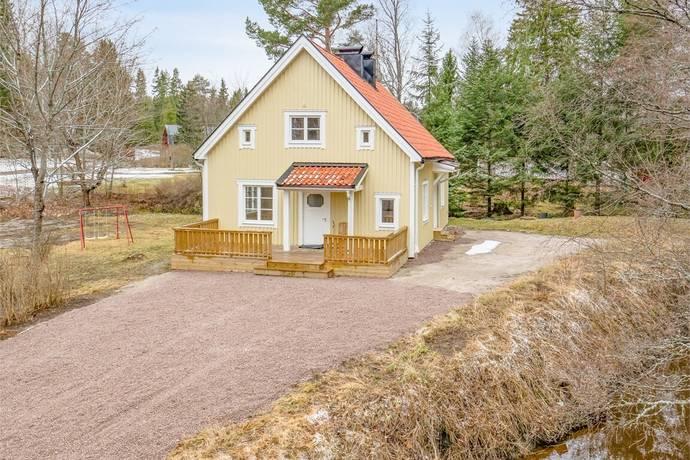 Bild: 4 rum villa på Lillbovägen 18, Heby kommun Vittinge