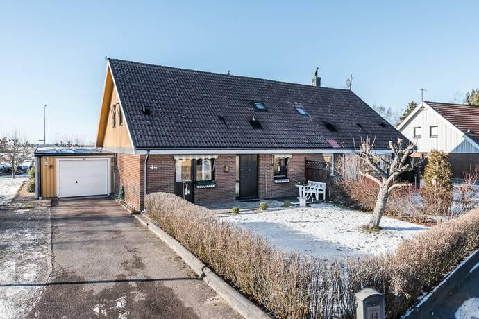 Bild: 5 rum radhus på Karusellgränd 44, Mjölby kommun Skänninge, Hattorp