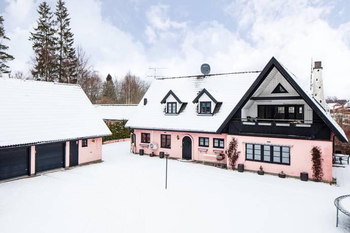 Bild: 6 rum villa på Kårlandavägen 34, Lessebo kommun Hovmantorp