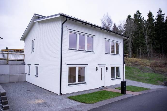 Bild: 6 rum villa på Storhagenvägen 38, Österåkers kommun Kvisslingby - Storhagens Gård