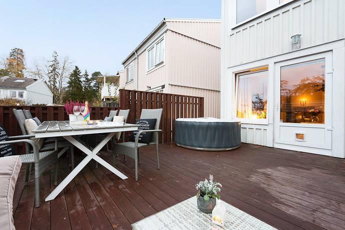 Bild: 4 rum radhus på Ribegatan 144, Stockholms kommun Kista