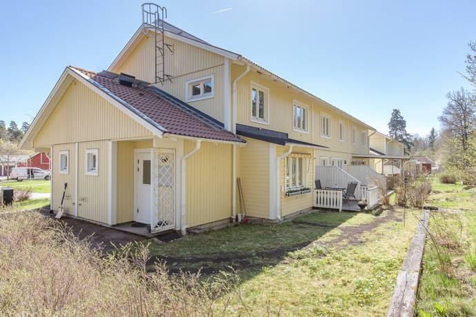 Bild: 2 rum bostadsrätt på Skyttbacksvägen 2, Östhammars kommun Österbybruk