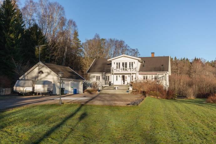 Bild: 12 rum villa på Riddarstensvägen 15, Lerums kommun Lerum