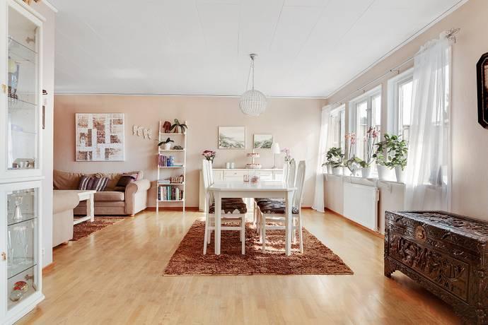 Bild: 7 rum villa på Gräslöksgatan 8, Ystads kommun Bellevue