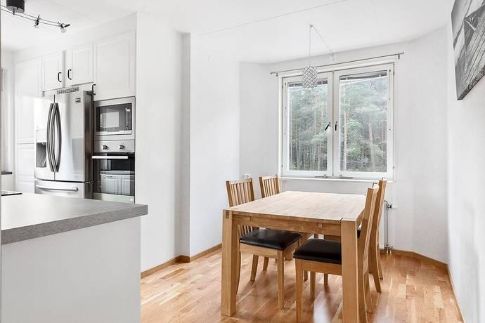 Bild: 3 rum bostadsrätt på Bergkantsgatan 8A, Karlstads kommun Bellevue