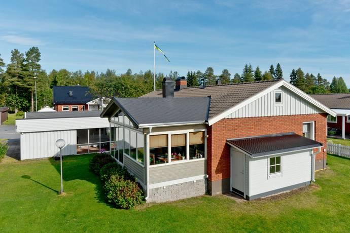 Bild: 5 rum villa på Granstigen 18, Umeå kommun Sävar