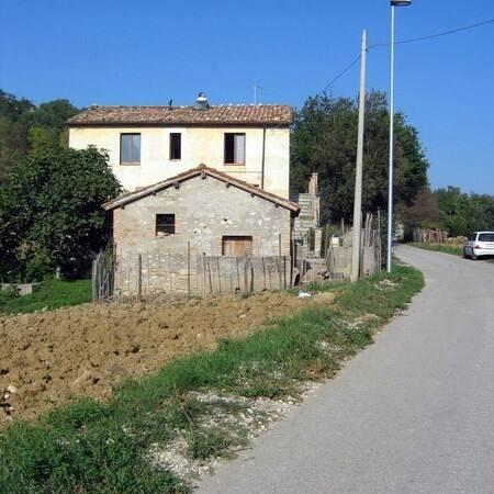 Bild: 3 rum villa på Castiglione della Valle Teramo, Italien Abruzzo