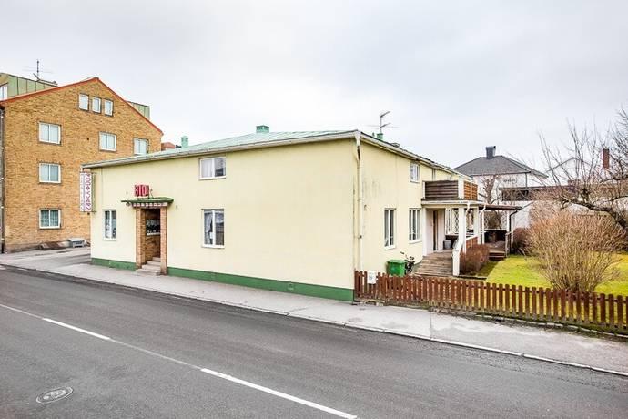 Bild: 7 rum villa på Storgatan 19, Töreboda kommun Töreboda Tätort
