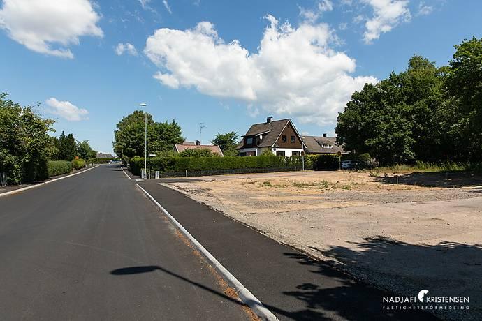 Bild: tomt på Sandlyckevägen 36, Ängelholms kommun Vejbystrand