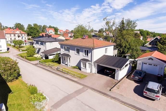 Bild: 6 rum villa på Trädgårdsgatan 3, Åmåls kommun Örnäs
