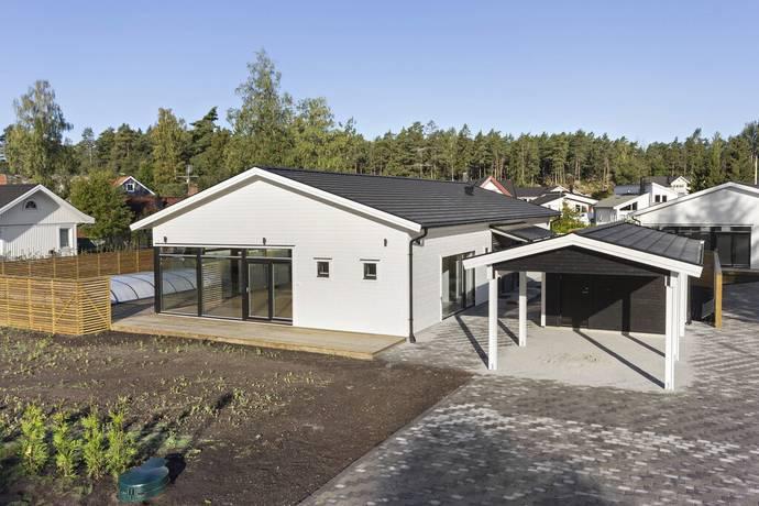 Bild: 6 rum villa på Kvartsstigen 11, Ekerö kommun STENHAMRA