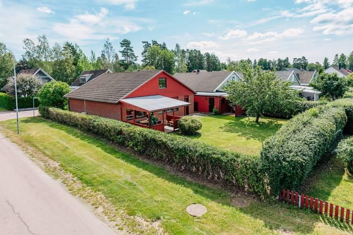 Bild: 7 rum villa på Lille Rusters väg 2, Karlstads kommun Hultsberg
