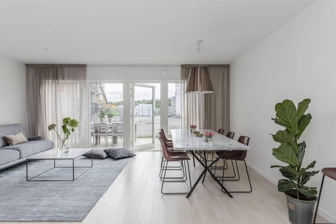 Bild: 6 rum radhus på Arningetorpsvägen 10A, Täby kommun Hägerneholm