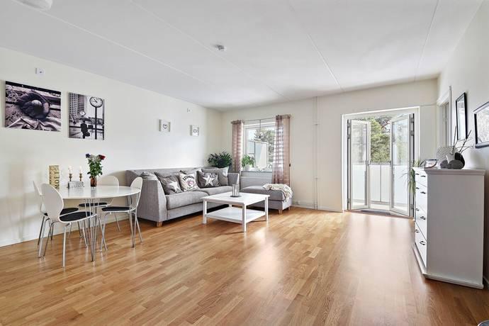 Bild: 2 rum bostadsrätt på Ekholmsvägen 307, Stockholms kommun Skärholmen