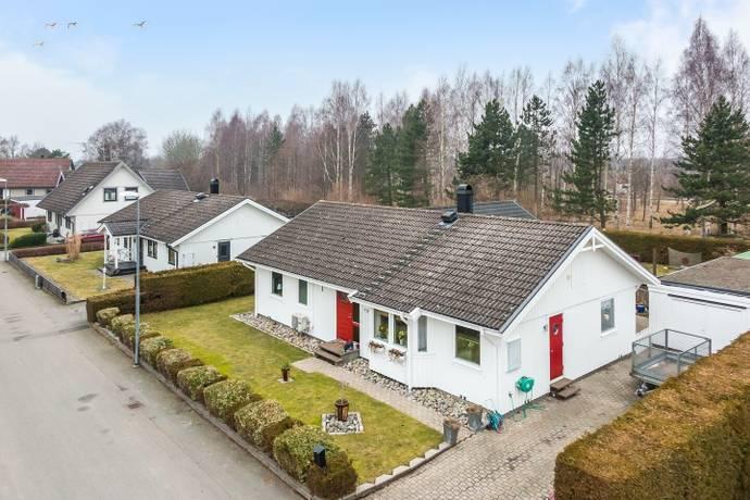 Bild: 7 rum villa på Bokvägen 12, Bromölla kommun Centralt