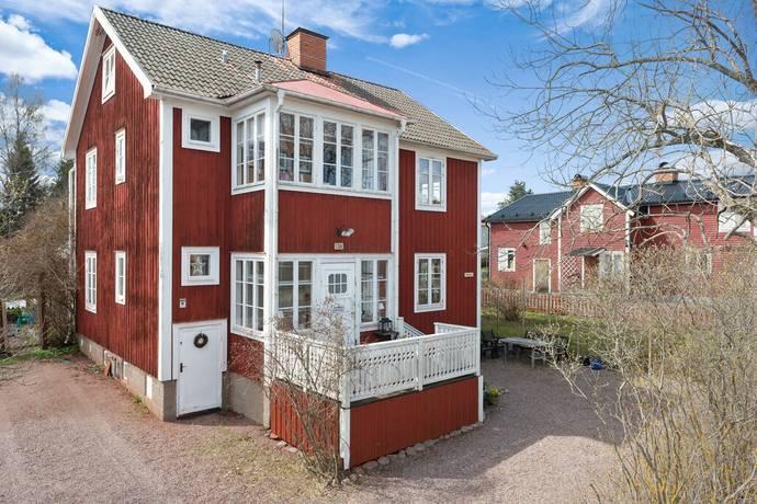 Bild: 7 rum villa på Åsgatan 138, Hedemora kommun Hedemora