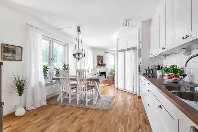 Bild: 4 rum bostadsrätt på Svartbäcksgatan 42 D, Uppsala kommun Svartbäcken